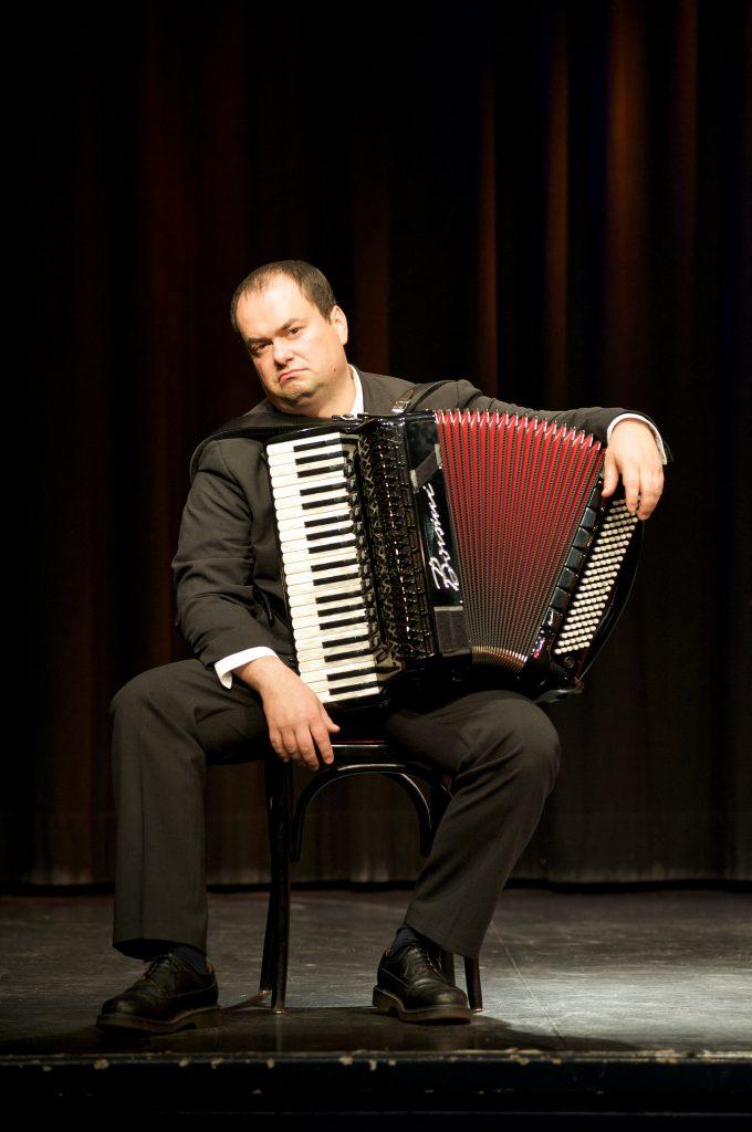 Unerhört – Akkordeon-Kabarett von und mit Frank Grischek @ Hörsaal der Musikschule