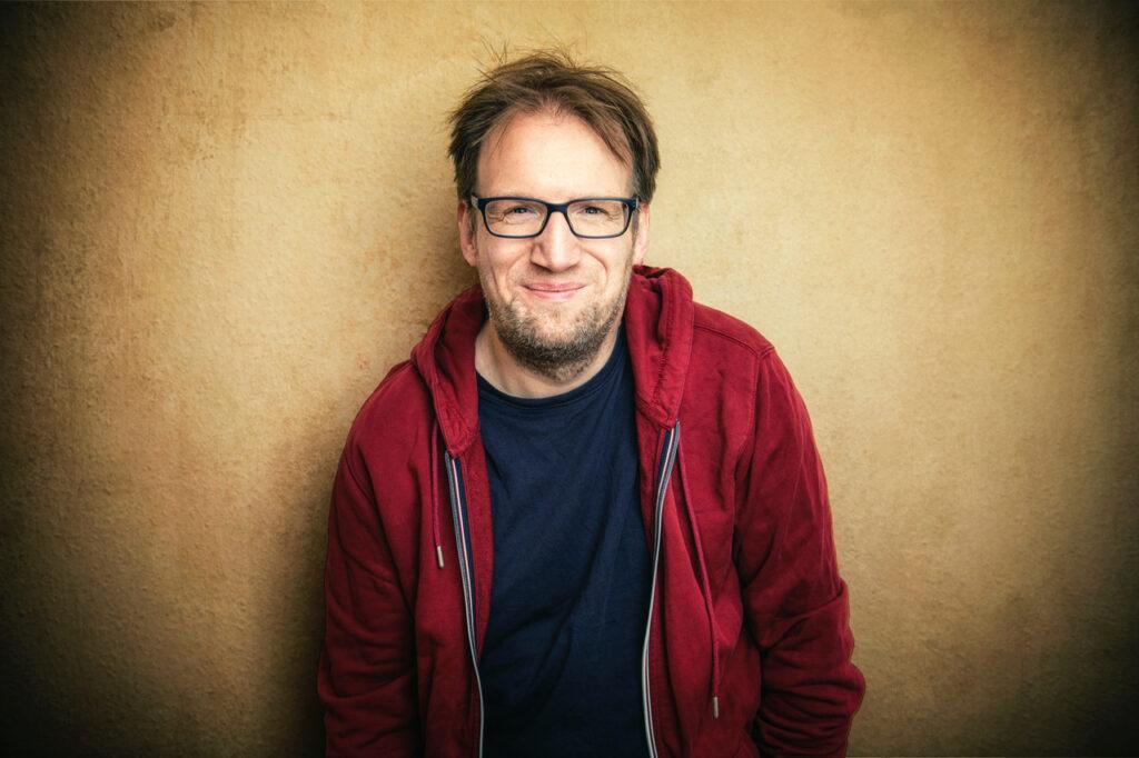 Comedian Jens Heinrich Claassen kommt nach Suderburg
